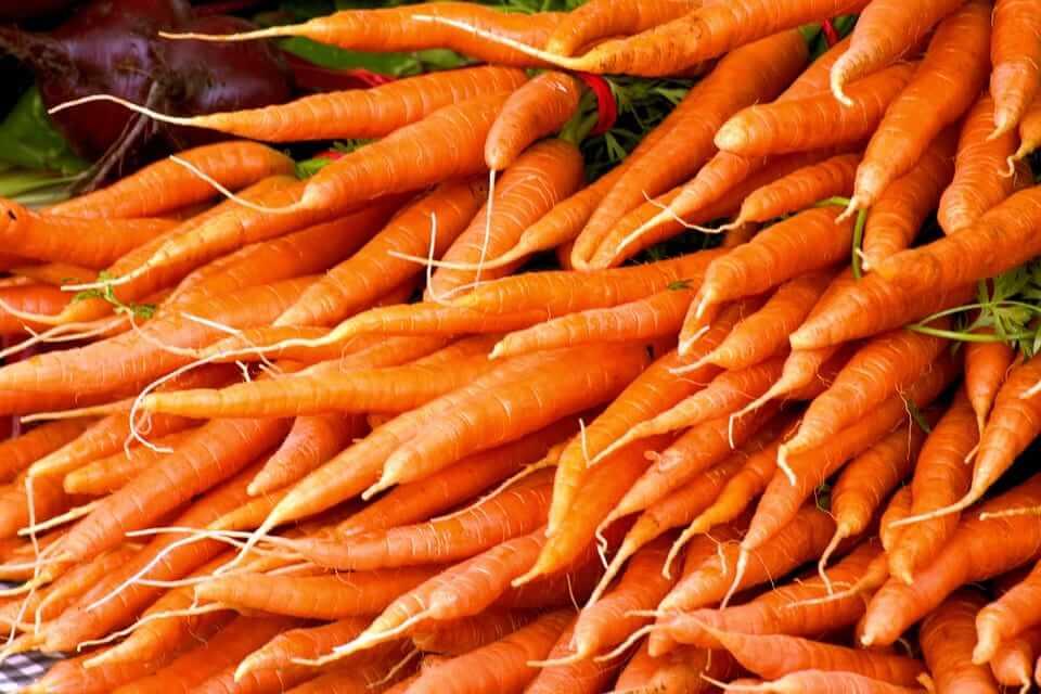 Alimentos que cuidan la salud de tus ojos